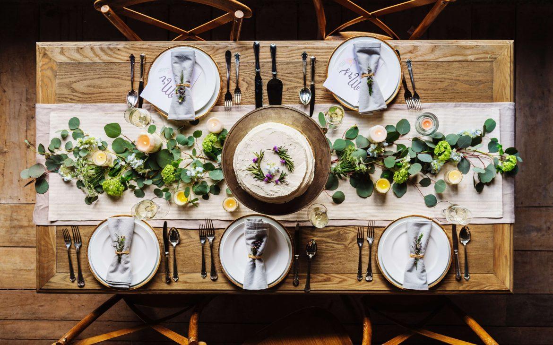 Usadzenie Gości przy stołach